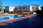 300103, Villa with swimming pool